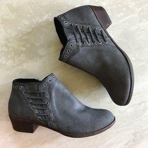 Minnetonka Brenna Leather Booties Gray 9.5